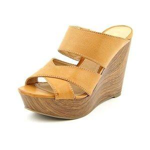 Report Everlynn Wedges Slide Sandals Congac Size 9